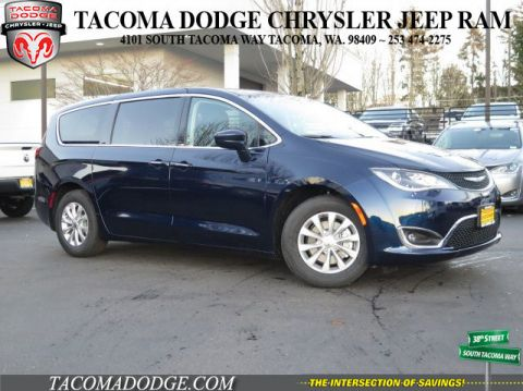 New 2018 Chrysler Pacifica Touring Plus FWD 4D Passenger Van